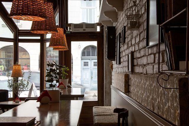 Владельцы екатеринбургских баров опасаются запрета на импорт алкоголя