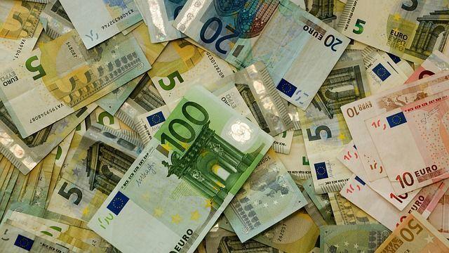 Центробанк будет санировать банк «Траст»