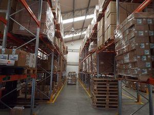 Новосибирские складские помещения начали пустеть и дешеветь