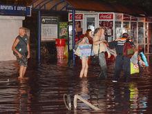 Из-за ливня в Ростове сошел оползень, разрушилась стена дома и подтоплен десяток улиц