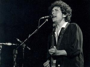 Человек, который изменил музыку. За что Бобу Дилану дали Нобелевскую премию по литературе