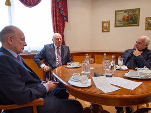 Как Спиваков, Россель и Черкашин спасали Уральский филармонический оркестр в 1990-е