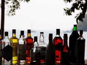 В Челябинске в гараже изготавливали полный ассортимент алкогольной продукции