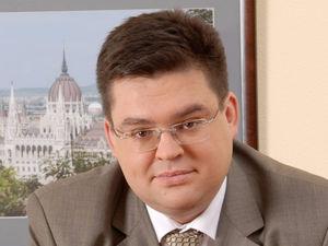 Михаил Жуков, HeadHunter: «Профессиональный директор» — это фокусник. Сфера имеет значение