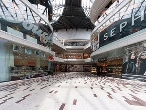 1 сентября не помогло: россияне стали реже ходить в торговые центры