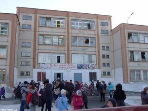 Отменяют занятия, эвакуируют ТЦ: по всей России сообщают о минированиях