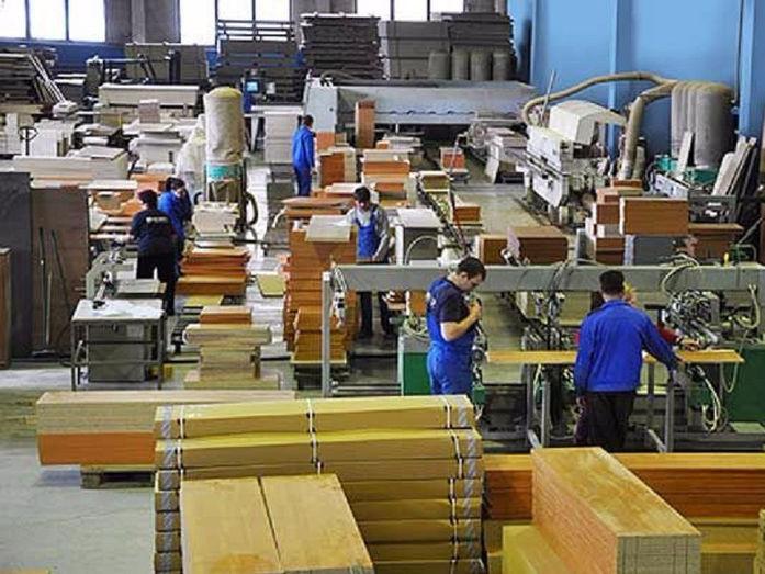 Рабочий на фабрику мебели в польшу спросус.