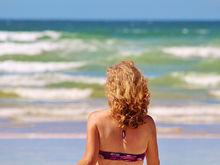 15 лучших пляжей мира: как туда добраться и сколько стоит аренда зонтика