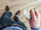 «Мне стыдно за каждый потраченный рубль». Десять признаков нездоровых отношений с деньгами
