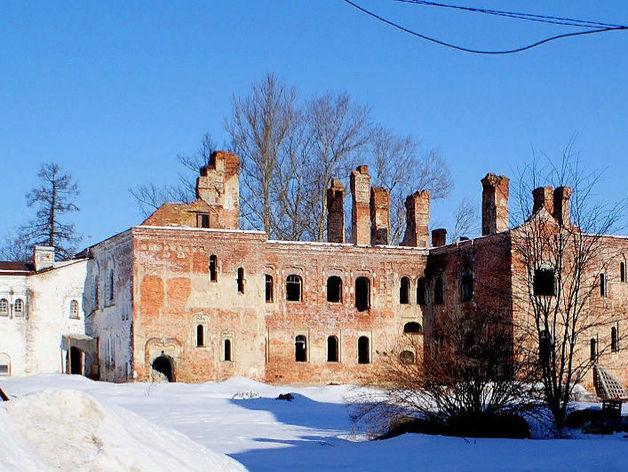 «Умная» резиденция почти за 3 млрд руб. Под Петербургом реставрируют комплекс для РПЦ