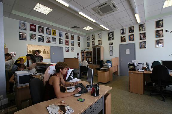 «АБАК-ПРЕСС» арендовал фабрику      10