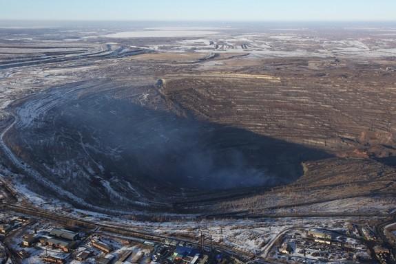 В Челябинске провели визуальное исследование воздуха с вертолета 3