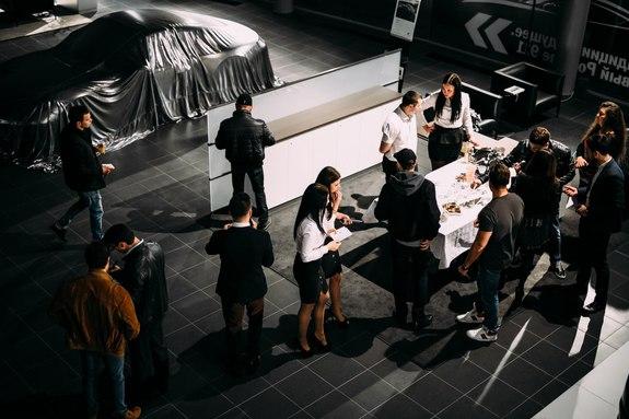 Красота, лоск, мощь: в Ростове презентовали новый Porsche 911 12
