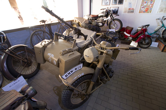 «Воскрешенные мертвецы»: как предприниматель из Екатеринбурга открыл музей ретромотоциклов 7