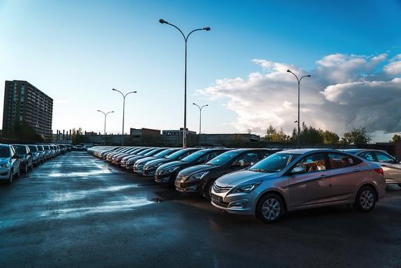 В Новосибирске открылся новый автосалон Hyundai 2