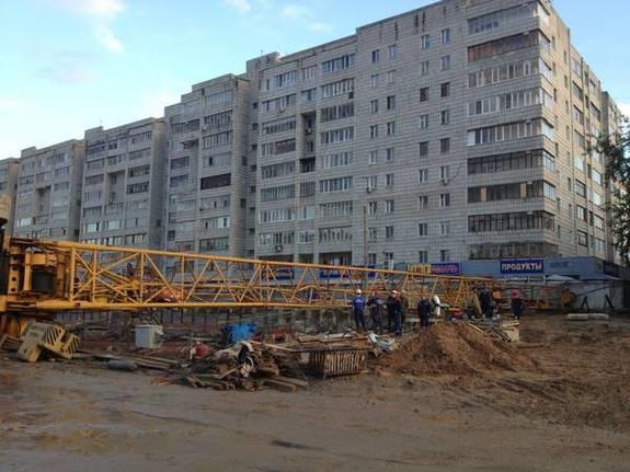 В Казани на стройке новой станции метро «Дубравная» рухнул подъемный кран 1
