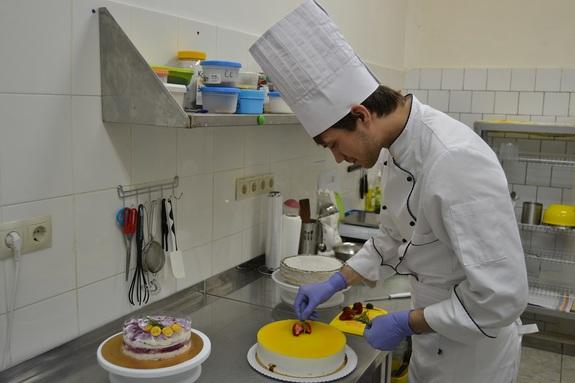 В десять раз меньше калорий: как заработать на диетических тортах. Опыт проекта BEZMUKI 3