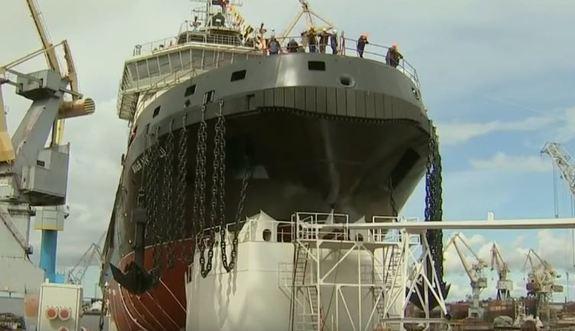 Впервые за 45 лет в России на воду спустили новый ледокол 1
