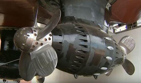 Впервые за 45 лет в России на воду спустили новый ледокол 3