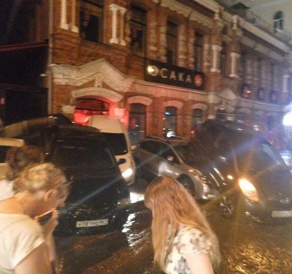 Ливень в Ростове привел к разрушениям и человеческим жертвам (фото) 4