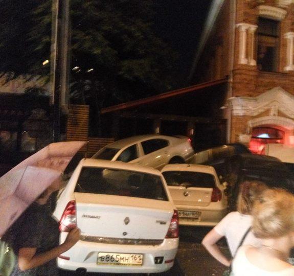 Ливень в Ростове привел к разрушениям и человеческим жертвам (фото) 5