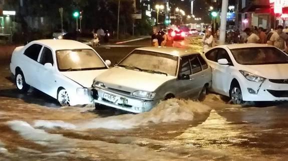 Ливень в Ростове привел к разрушениям и человеческим жертвам (фото) 7