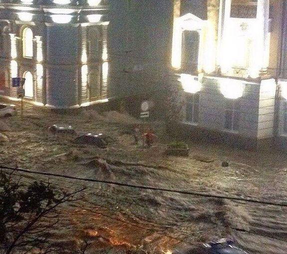 Ливень в Ростове привел к разрушениям и человеческим жертвам (фото) 10