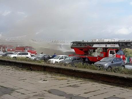 В Набережных Челнах загорелось новое кафе 1