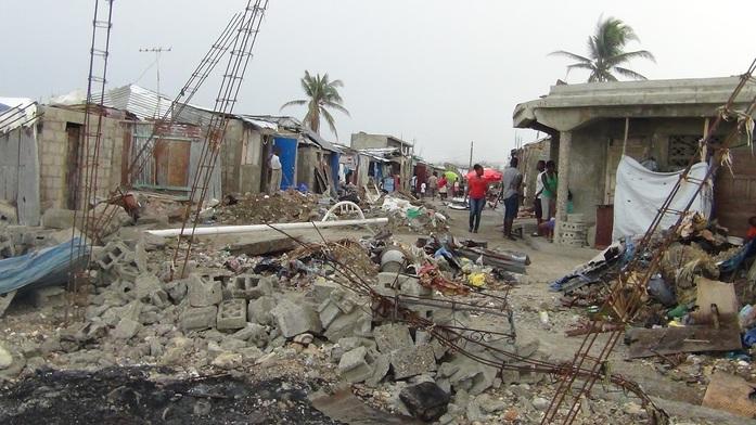 Путевые заметки из Грязьбурга: Евгений Ганеев — об аде на Земле, волонтерстве и ЧС в Гаити 2