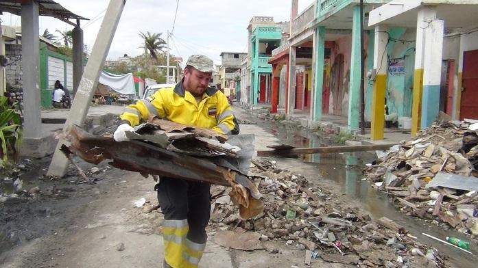 Путевые заметки из Грязьбурга: Евгений Ганеев — об аде на Земле, волонтерстве и ЧС в Гаити 4