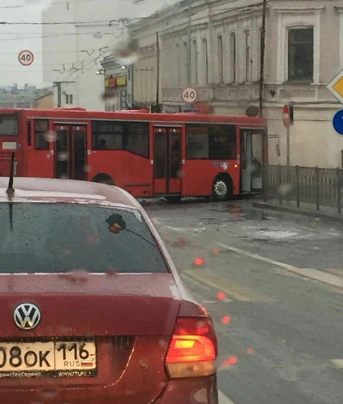 В Казани гололедица вызвала транспортный коллапс, аэропорт закрыт //ФОТО 2