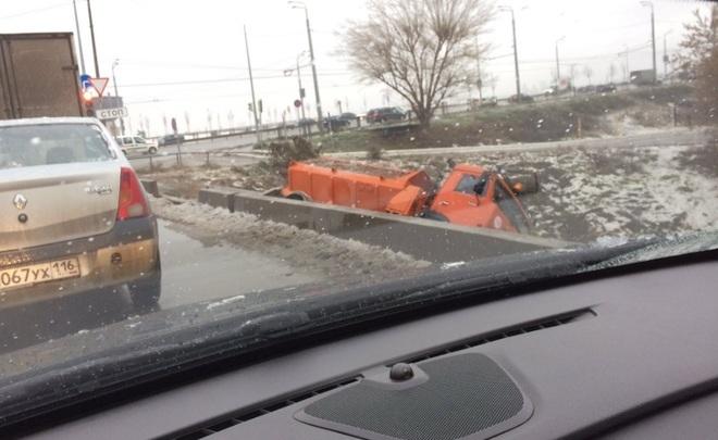 В Казани гололедица вызвала транспортный коллапс, аэропорт закрыт //ФОТО 3