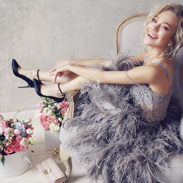 Полмиллиона рублей и страусиные перья. Как заработать на одежном бренде / ОПЫТ 2
