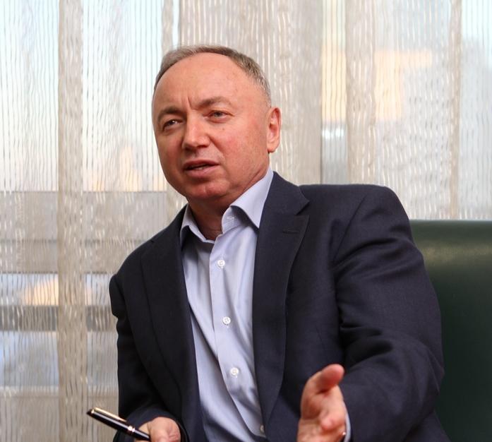 «Не надо душить бизнес». В. Ананьев — о власти, ожиданиях от 2017 г. и УГМК с Opera Tower 1