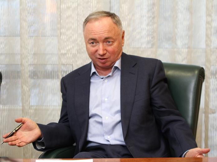 «Не надо душить бизнес». В. Ананьев — о власти, ожиданиях от 2017 г. и УГМК с Opera Tower 2