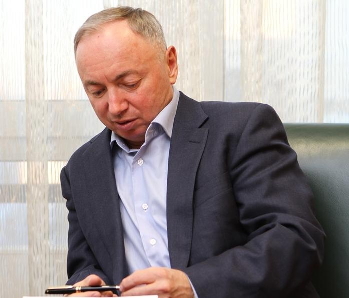 «Не надо душить бизнес». В. Ананьев — о власти, ожиданиях от 2017 г. и УГМК с Opera Tower 4