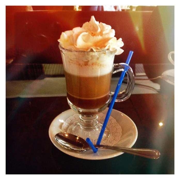 «Цезарь» в «Шоколад-ке». Ресторанная критика Светланы Кнор о старейшей кофейне города 4