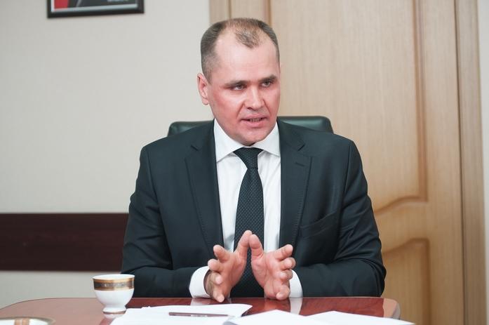 Глава минэконома Сергей Смольников: тяжело, когда одной рукой помогаем, второй - отнимаем 1