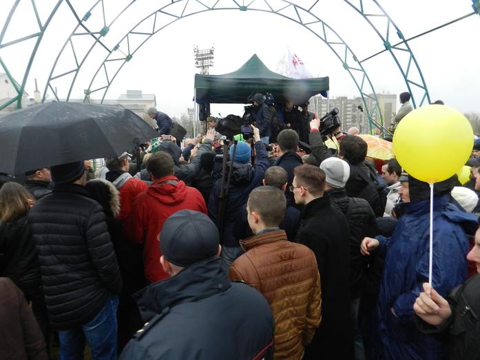 В Челябинске на митинге против ГОКа выступил Алексей Навальный 7