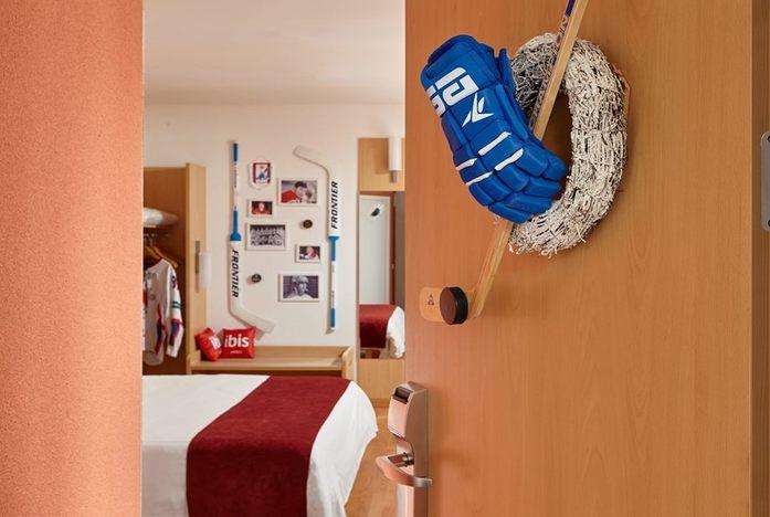 В нижегородской гостинице появился фирменный хоккейный номер 1