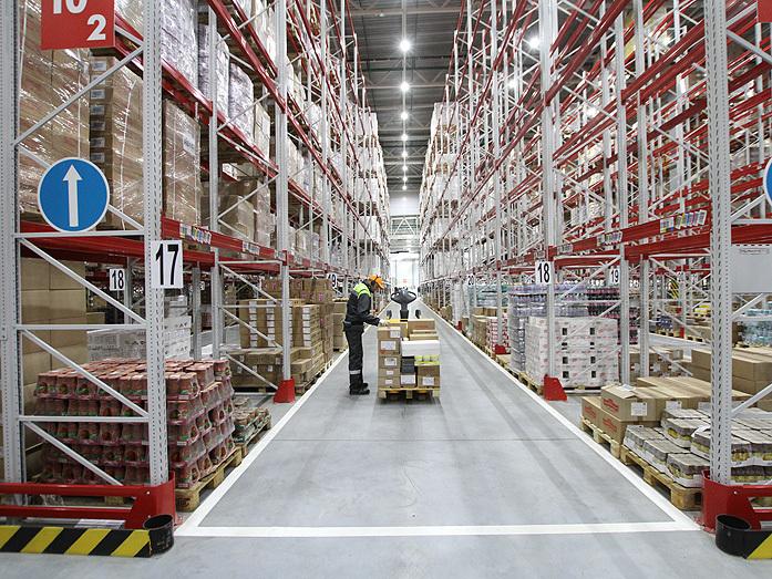 Дворкович открыл два огромных склада X5 Retail Group на Урале. Чего ждать местным сетям? 2