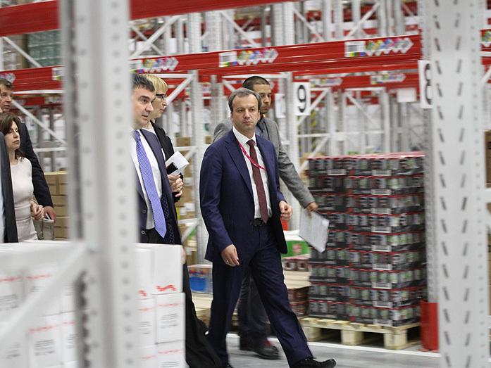 Дворкович открыл два огромных склада X5 Retail Group на Урале. Чего ждать местным сетям? 3