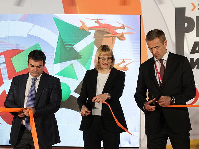 Дворкович открыл два огромных склада X5 Retail Group на Урале. Чего ждать местным сетям? 4