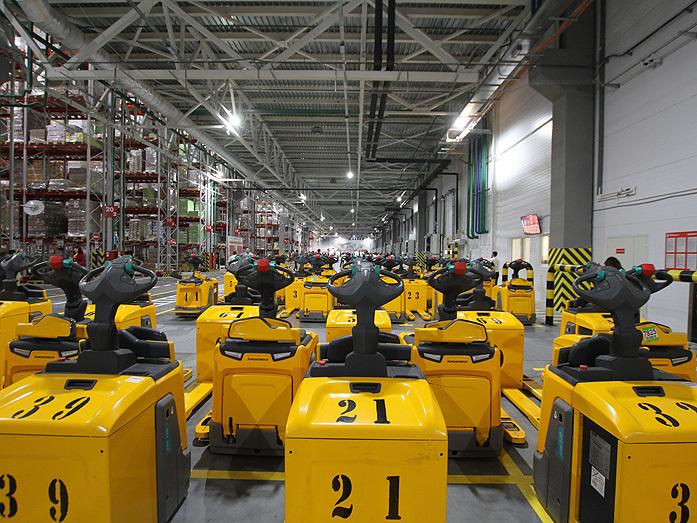 Дворкович открыл два огромных склада X5 Retail Group на Урале. Чего ждать местным сетям? 5