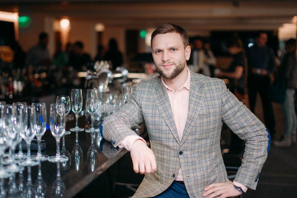 Иван Зубарев против Марка Цукерберга. Почему бизнесмену стоит красиво одеваться / КОЛОНКА 1