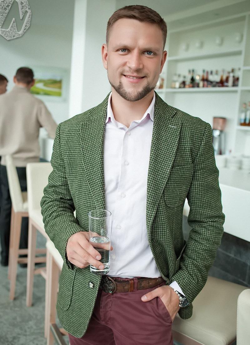 Иван Зубарев против Марка Цукерберга. Почему бизнесмену стоит красиво одеваться / КОЛОНКА 3