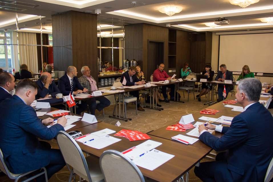 Экспертный совет ДК выбрал кандидатов на звания Банкира и Промышленника года 3