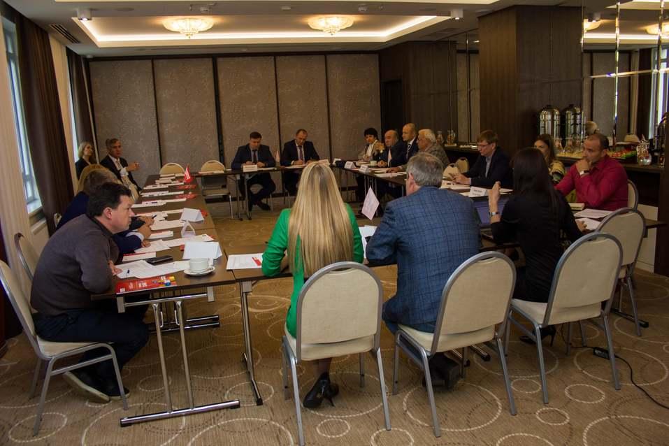 Экспертный совет ДК выбрал кандидатов на звания Банкира и Промышленника года 10