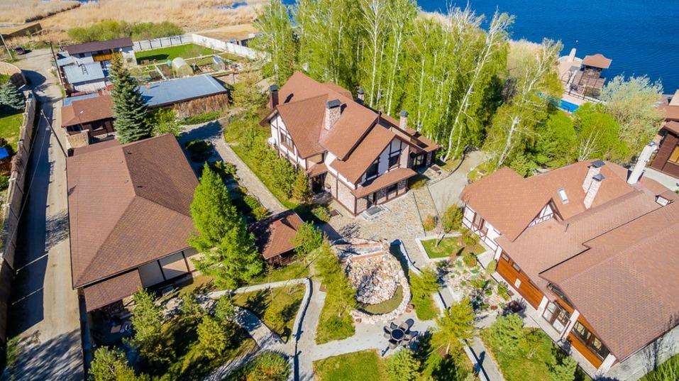 В Челябинске выяснили стоимость самых дорогих особняков с бассейном 1