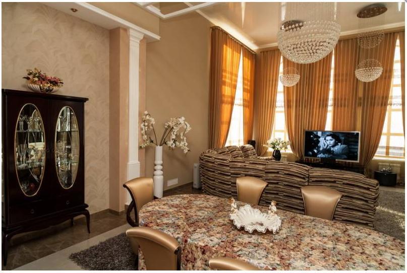Замок мечты. Как выглядит самый дорогой особняк с бассейном в Екатеринбурге 1